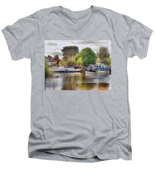 Riverview Vii Men's V-Neck T-Shirt