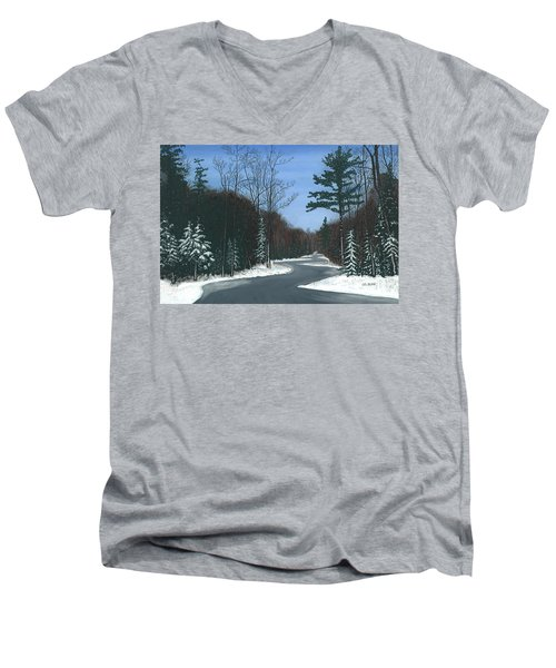 Road To Northport - Winter Men's V-Neck T-Shirt
