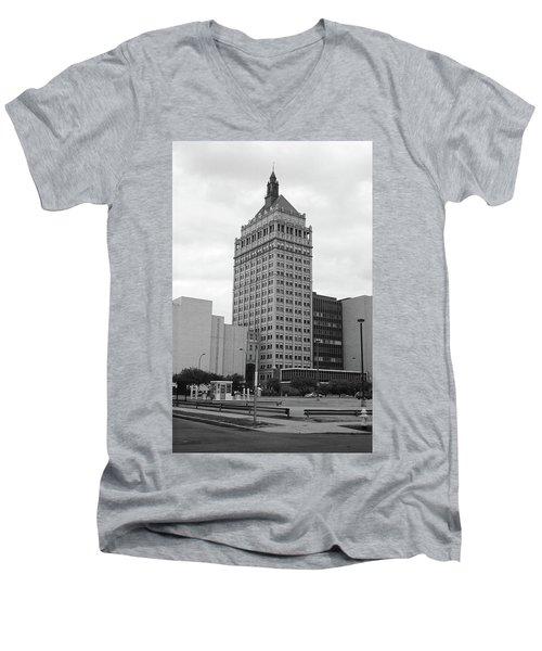 Rochester, Ny - Kodak Building 2005 Bw Men's V-Neck T-Shirt