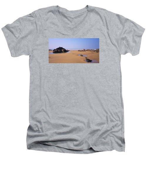Rock Pools Men's V-Neck T-Shirt