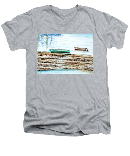 Rocky Neck Runabout Skiff Men's V-Neck T-Shirt