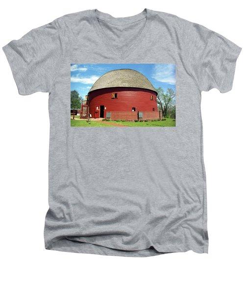 Route 66 - Round Barn Men's V-Neck T-Shirt