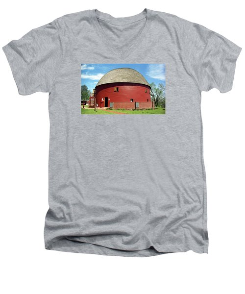 Route 66 - Round Barn Men's V-Neck T-Shirt