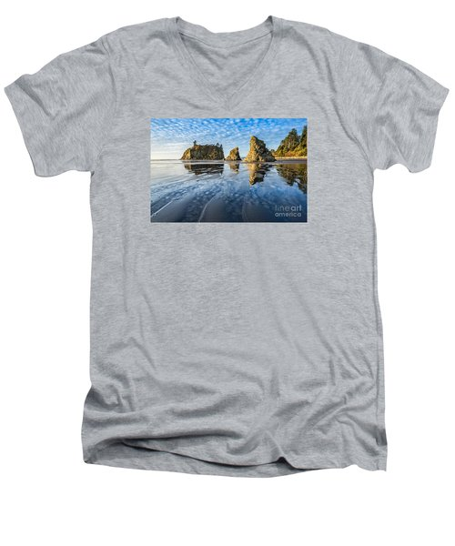Ruby Beach Reflection Men's V-Neck T-Shirt