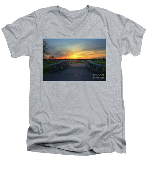 Rush Creek Golf Course The Bridge To Sunset Men's V-Neck T-Shirt