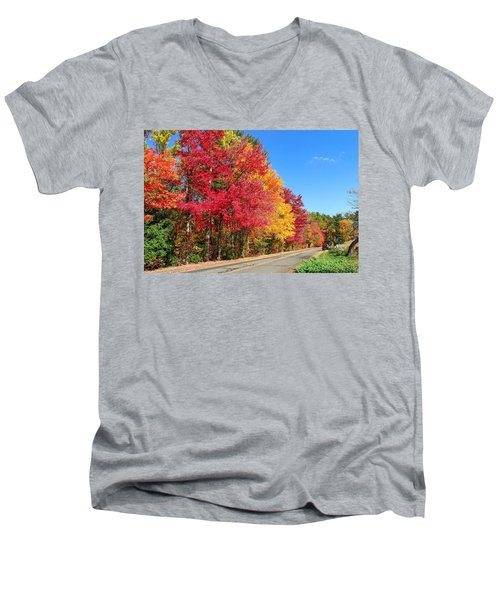 Men's V-Neck T-Shirt featuring the photograph Russellville Road Fall Colors by Sven Kielhorn