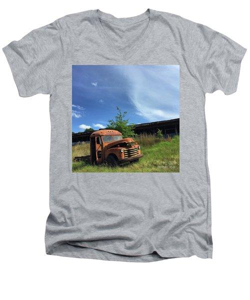 Rustic Memories 1950s Men's V-Neck T-Shirt