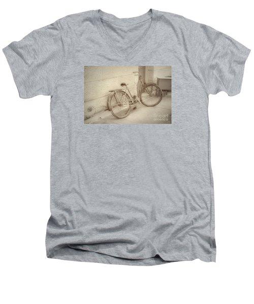 Rusty Bicycle Men's V-Neck T-Shirt