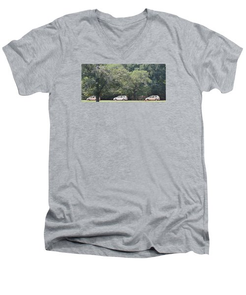Safari Cars Men's V-Neck T-Shirt