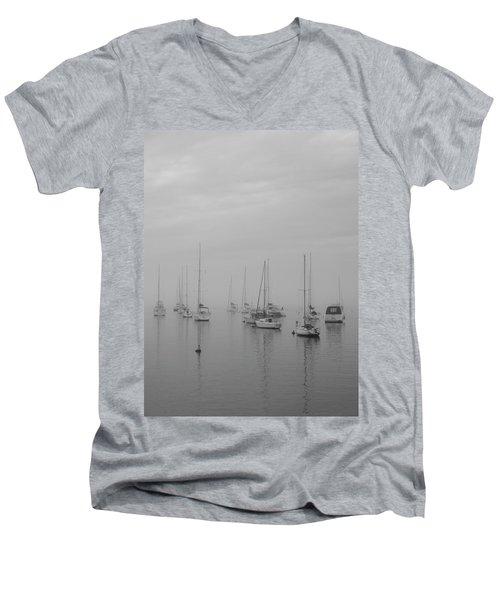Sailing Bw Men's V-Neck T-Shirt