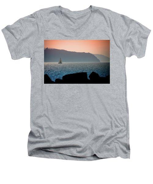 Sailng Men's V-Neck T-Shirt