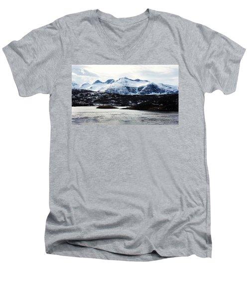 Saltstraumen Men's V-Neck T-Shirt