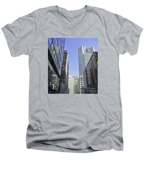 San Francisco Skyline Men's V-Neck T-Shirt