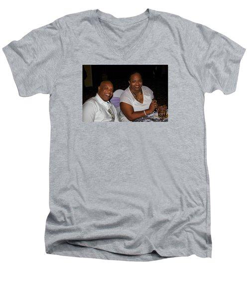 Sanderson - 4528 Men's V-Neck T-Shirt