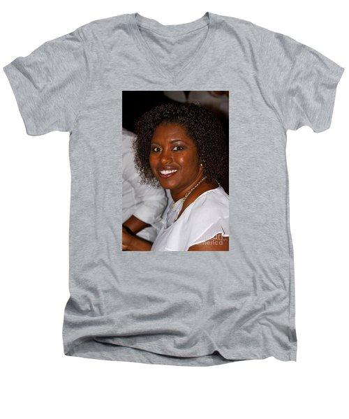 Sanderson - 4529 Men's V-Neck T-Shirt