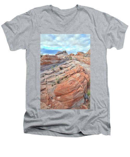 Sandstone Crest In Valley Of Fire Men's V-Neck T-Shirt