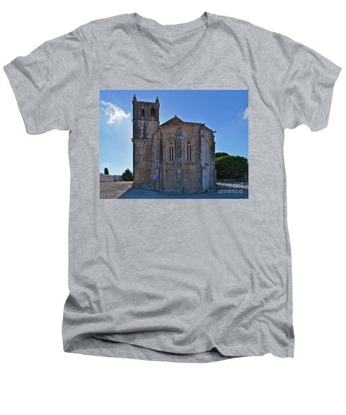 Santa Maria Do Carmo Church In Lourinha. Portugal Men's V-Neck T-Shirt