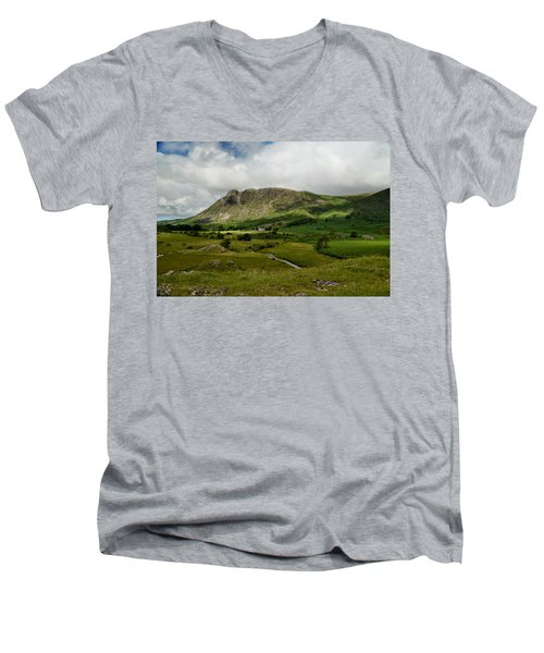 Scaleber Foss Men's V-Neck T-Shirt