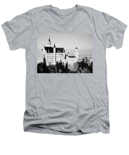 Schloss Neuschwanstein  Men's V-Neck T-Shirt