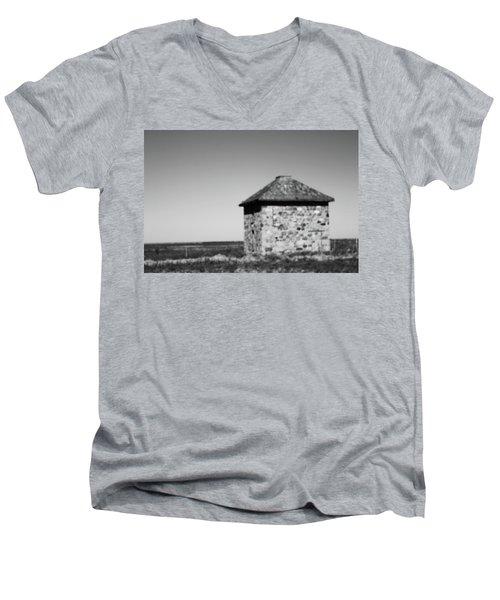 Screaming House Of Indian Head Men's V-Neck T-Shirt
