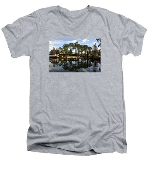 Sculpture Garden Men's V-Neck T-Shirt
