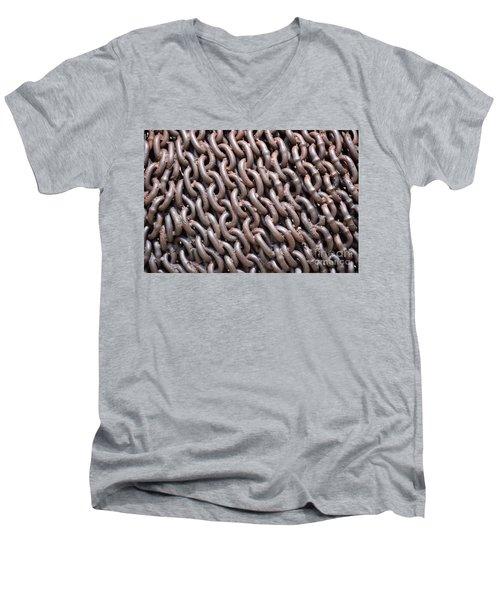 Sculpture Of Chain Men's V-Neck T-Shirt