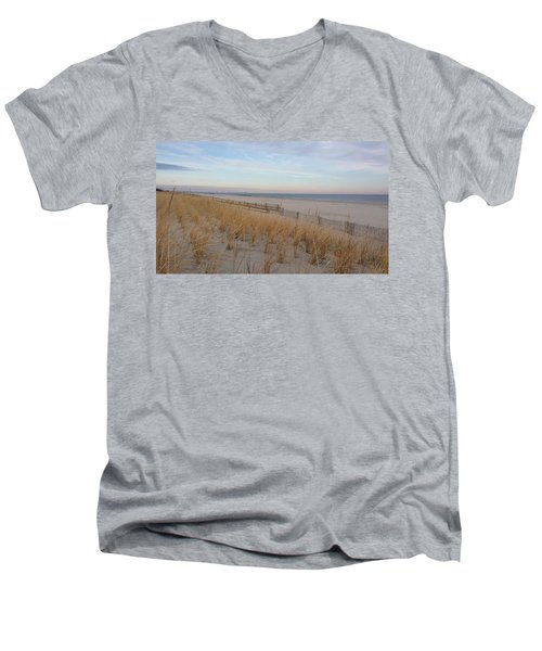 Sea Isle City, N J, Beach Men's V-Neck T-Shirt