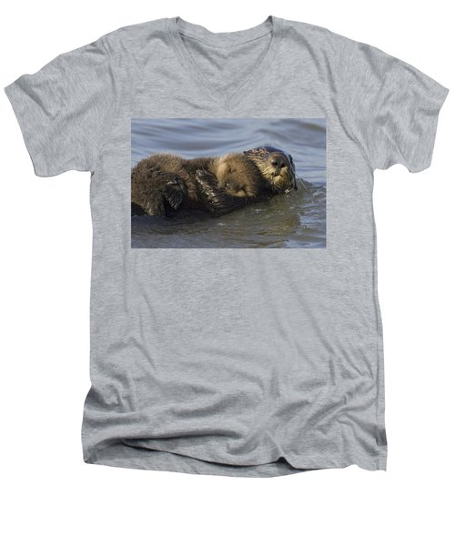 Sea Otter Mother With Pup Monterey Bay Men's V-Neck T-Shirt by Suzi Eszterhas