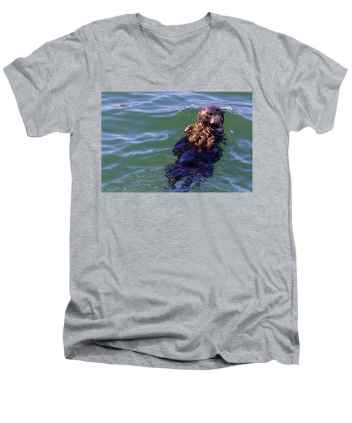 Sea Otter With Lunch Men's V-Neck T-Shirt