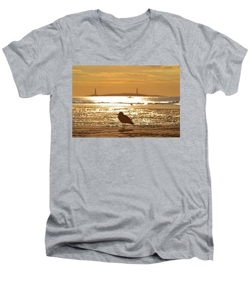 Seagull Admiring Thacher Island Gloucester Ma Good Harbor Beach Men's V-Neck T-Shirt