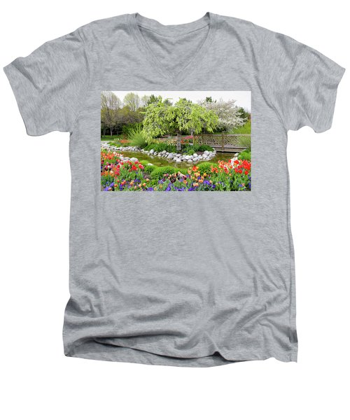Men's V-Neck T-Shirt featuring the photograph Seeing Beauty In All Things by James Steele
