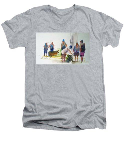 Setting Up Men's V-Neck T-Shirt