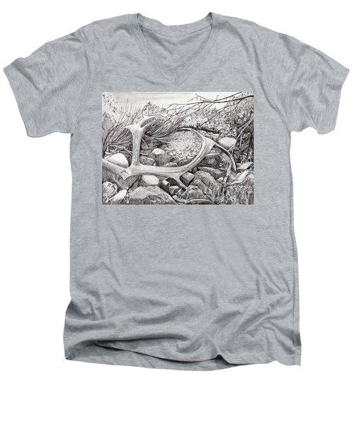 Shed Antler Men's V-Neck T-Shirt