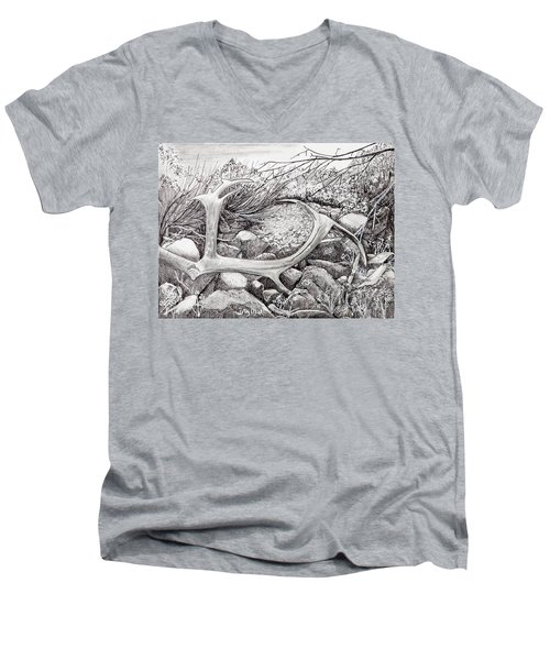 Shed Antler Men's V-Neck T-Shirt