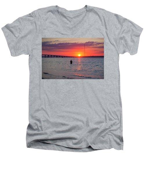 Shinnecock Fisherman At Sunset Men's V-Neck T-Shirt