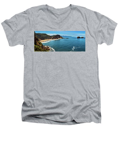 Short Beach, Oregon Men's V-Neck T-Shirt
