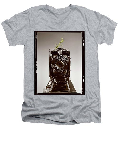 Shutterbug Mantis Men's V-Neck T-Shirt