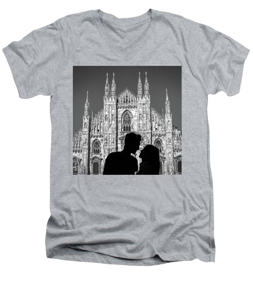 Silhouette Of Young Couple Kissing In Front Of Milan's Duomo Cathedral Men's V-Neck T-Shirt