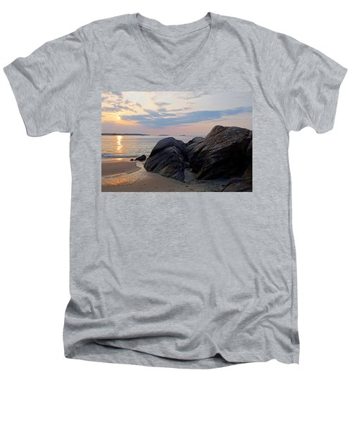 Singing Beach Rocky Sunrise Manchester By The Sea Ma Men's V-Neck T-Shirt