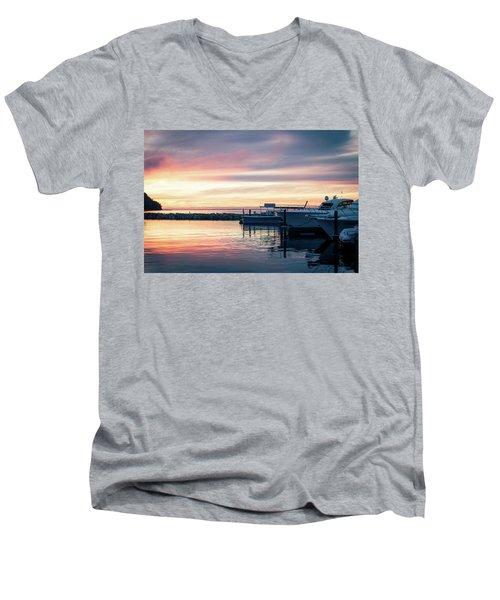 Sister Bay Marina At Sunset Men's V-Neck T-Shirt