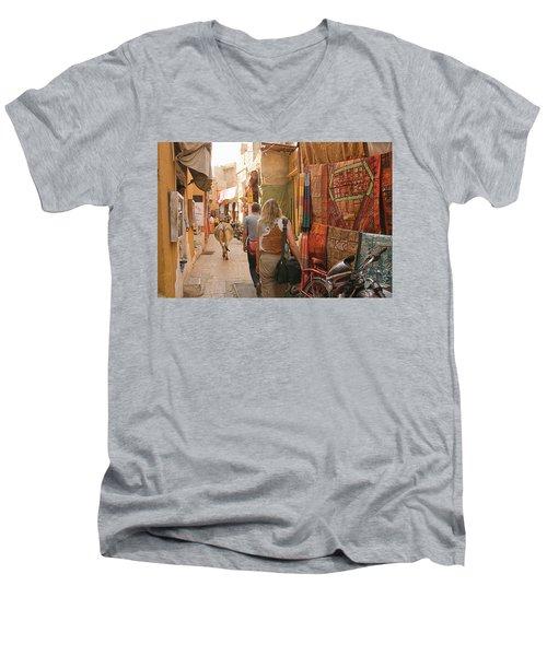 Skn 1226 Squeezed Lane Men's V-Neck T-Shirt