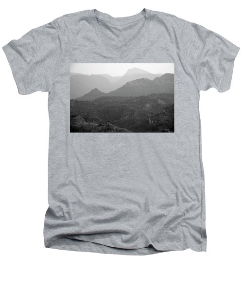 Skn 4443 Rolling Landscape Men's V-Neck T-Shirt