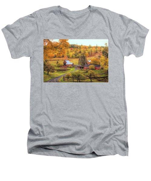 Sleepy Hollow - Pomfret Vermont In Autumn Men's V-Neck T-Shirt