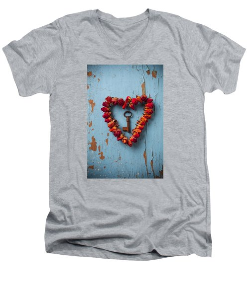 Small Rose Heart Wreath With Key Men's V-Neck T-Shirt