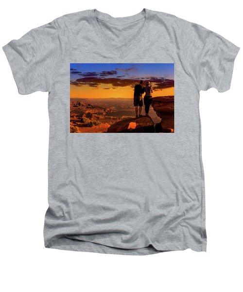 Smartphone Photo Opportunity Men's V-Neck T-Shirt