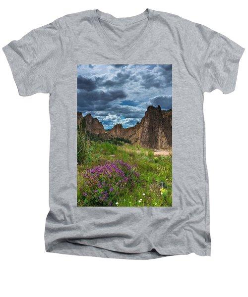 Smith Rock Men's V-Neck T-Shirt