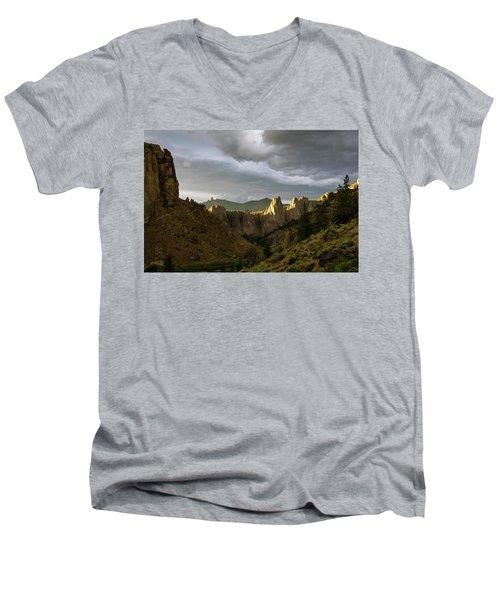 Smith Rock Sky Men's V-Neck T-Shirt