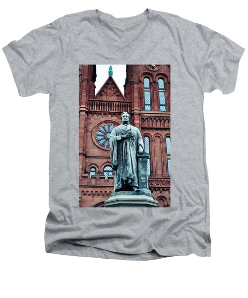 Smithsonian Castle  Men's V-Neck T-Shirt