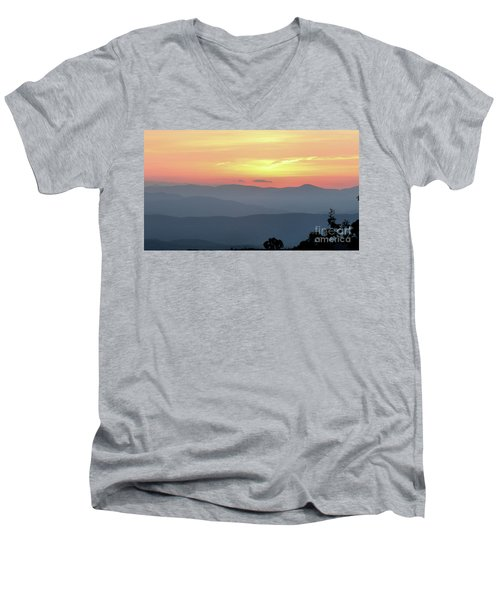 Smokey Mnt Sunset Men's V-Neck T-Shirt