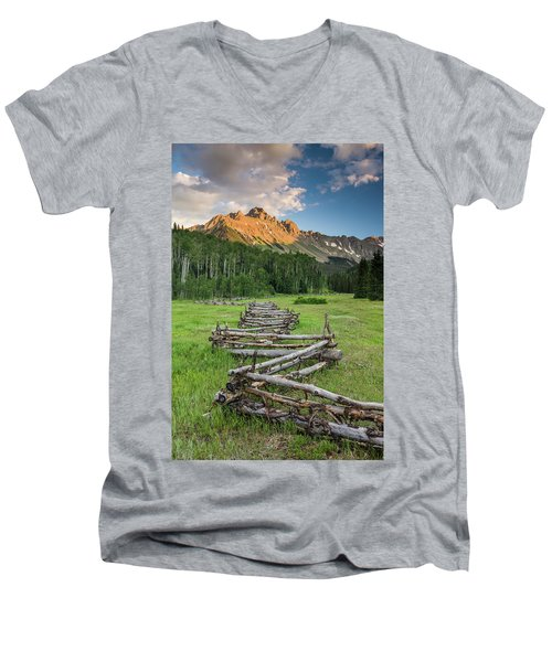 Sneffels Fence Vertical Men's V-Neck T-Shirt
